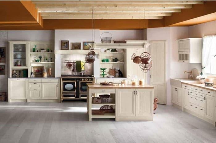 cucina-in-legno-classica-di-colore-bianco