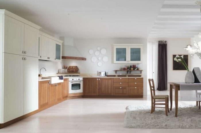 cucina-in-legno-classica-in-due-colori