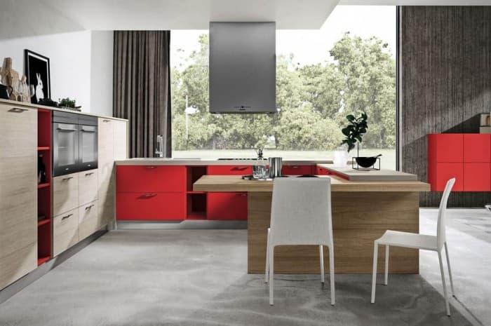 cucina-moderna-con-elementi-rossi-e-cappa-sospesa