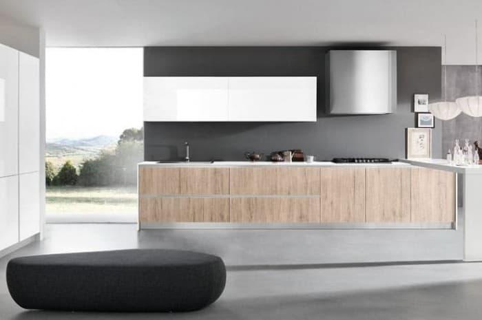 cucina-moderna-con-piani-color-legno