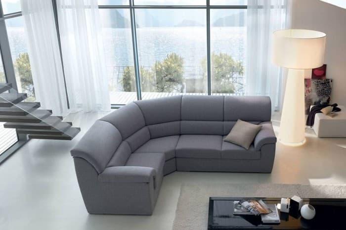 divano-moderno-grigio-ad-angolo