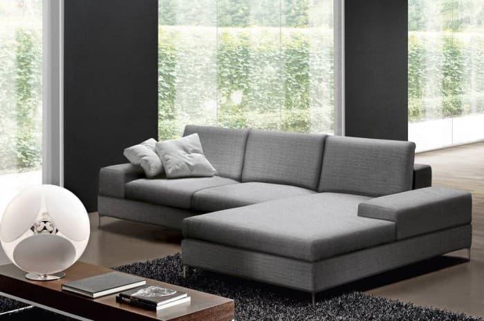 divano-moderno-grigio-chiaro2