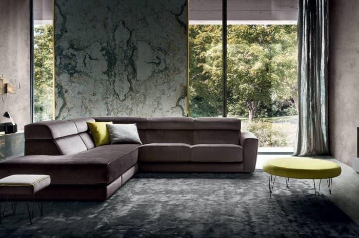 divano-moderno-ampio-color-marron-scuro