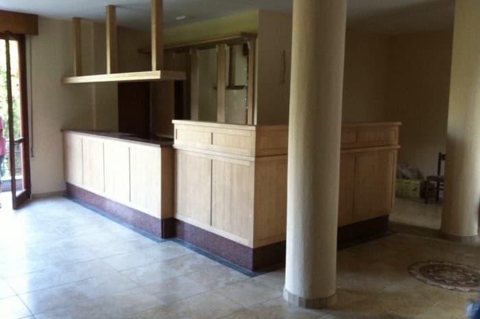 reception-con-mobile-in-legno
