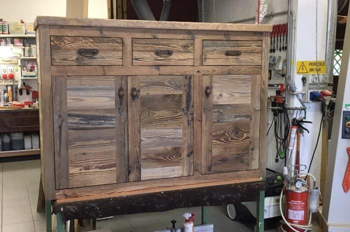 armadio-in-legno-spazzolato