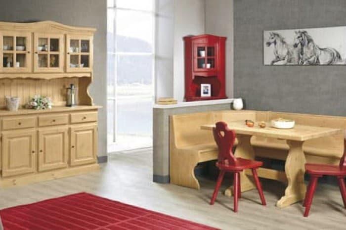 mobilia-stile-classico-legno-naturale
