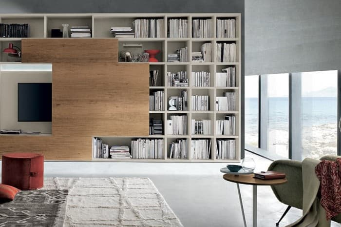 mobilia-soggiorno-con-pannello-scorrevole