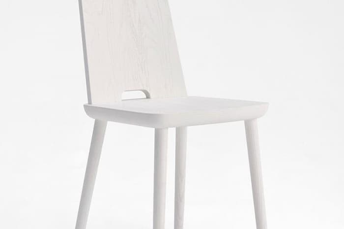 sedia-moderna-in-legno-verniciata