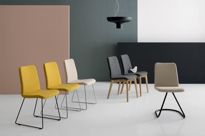 sedie-moderne-in-stoffa-colorate