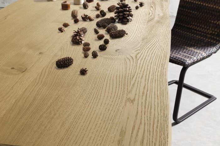 tavolo-legno-massiccio-bordi-irregolari