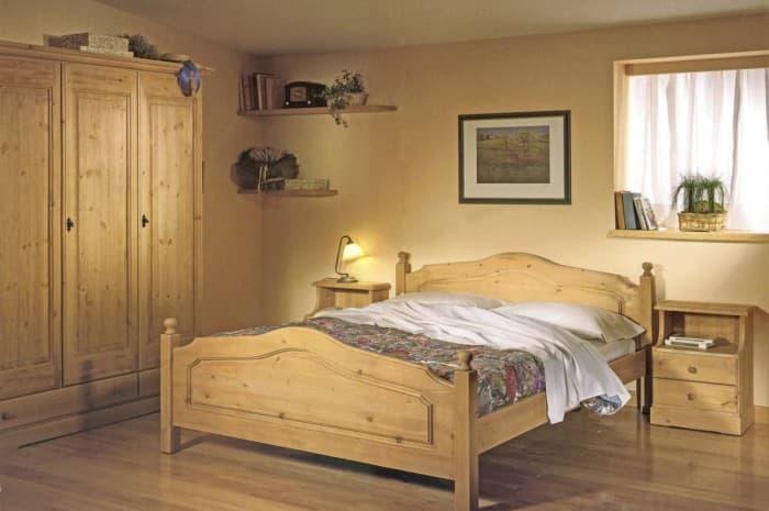 camera-in-legno-stile-classico