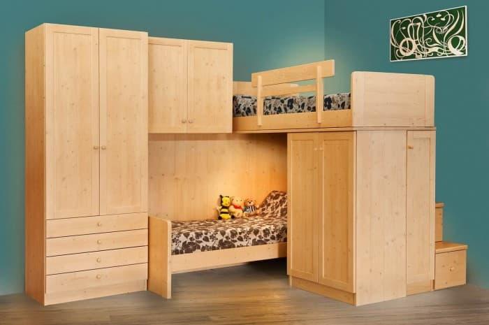 camera-legno-stile-classico-letto-a-castello
