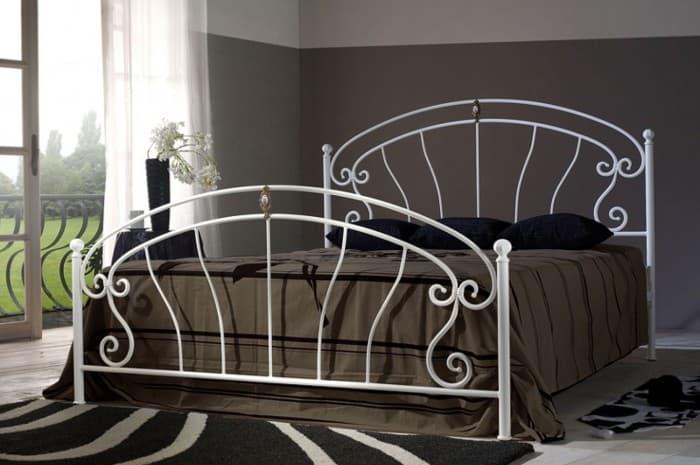 letto-in-ferro-battuto-classico