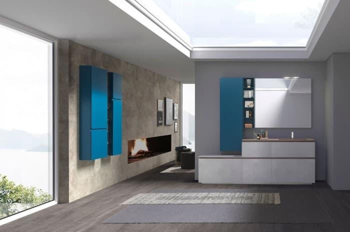 bagno-moderno-e-luminoso-con-elementi-blu